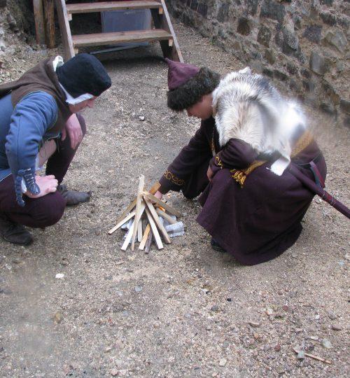 Zakladanie ohňa